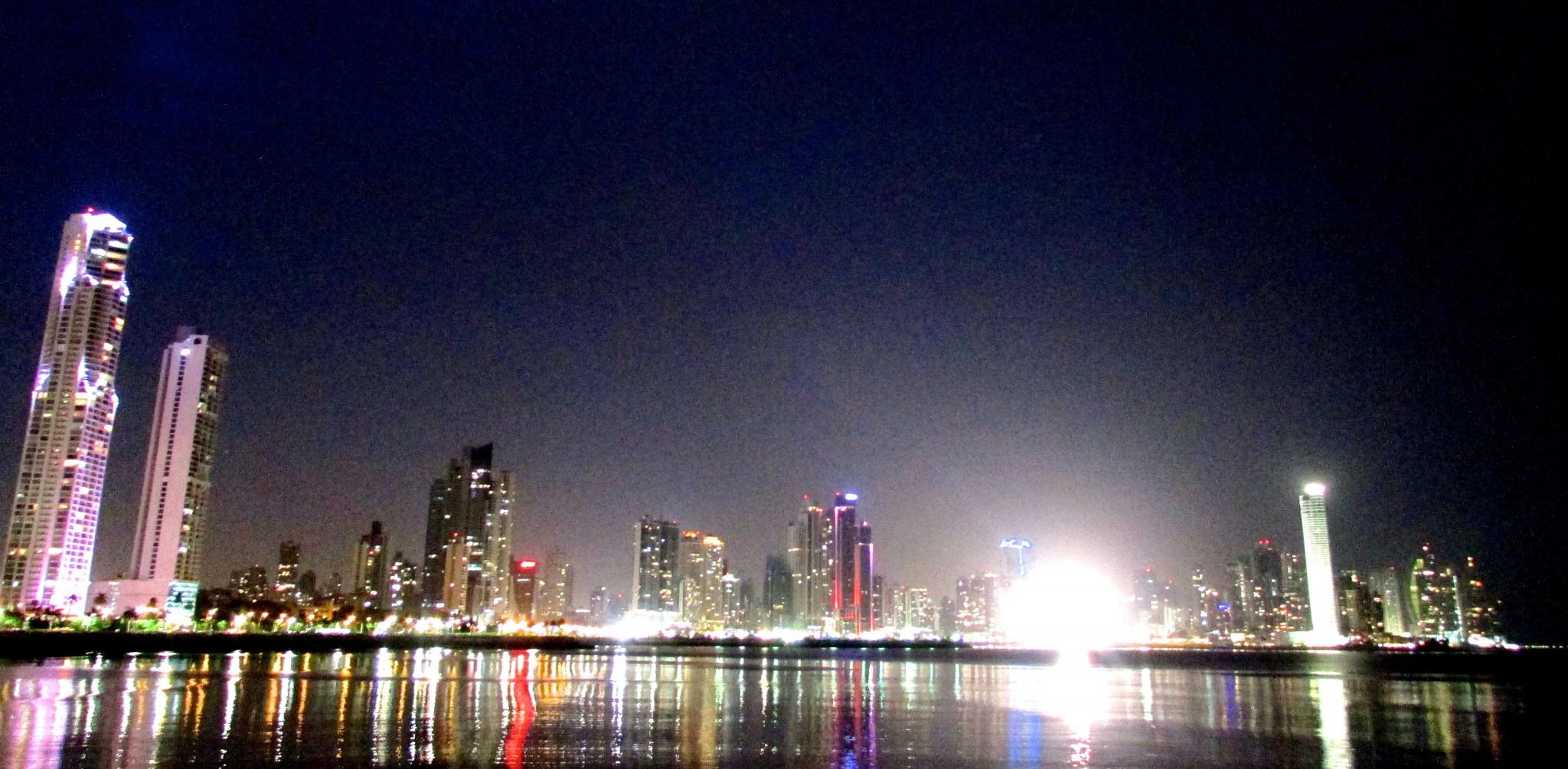 Panama City broadwalk at night